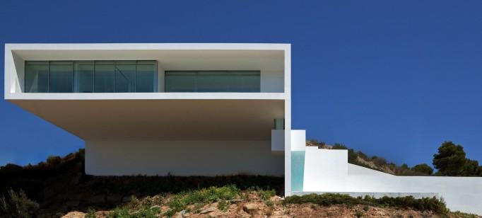 Fran Silvestre Arquitectos  Arquitectura – Deslumbrante Casa del Acantilado  Fran Silvestre Arquitectos1 682x308