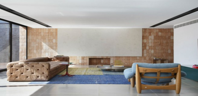 """""""BT House de Guilherme Torres.""""  Casa de Arquitecto: Guilherme Torres e sua simplicidade BTHouseGuilhermetorressala 655x320"""