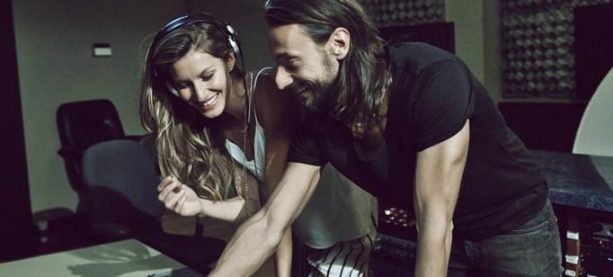 Gisele Bündchen canta no novo anúncio da H&M  Gisele Bündchen canta no novo anúncio da H&M Gisele mixdesk Vogue 1Apr14 pr b 1080x720 682x308