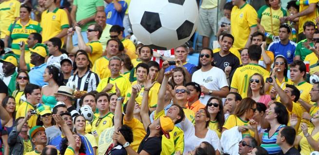 """""""Torcidas na Copa do Mundo 2014""""  As melhores torcidas da Copa do Mundo fc472ed403 torcida08 655x320"""