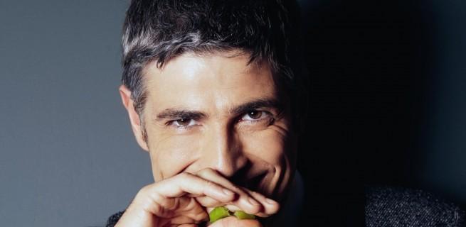 10 homens mais bonitos do Brasil  10 homens mais bonitos do Brasil reynaldo gianecchini em ensaio para a lifestyle magazine 1381172623126 1920x1080 655x320